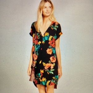 Floral cuffed sleeve high low size S dress